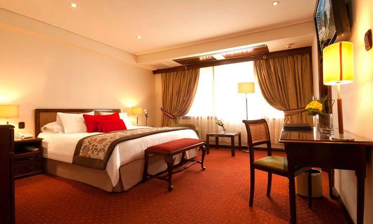 Hotel Plaza San Francisco: Santiago: 1, 2 o 3 noches para 2 + spa + espumoso + chocolate + late check out en Hotel Plaza San Francisco. Opción a fiestas