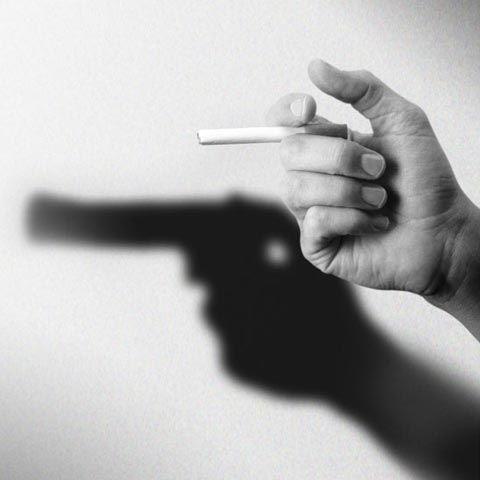 Anti-smoking : cigarette = gun