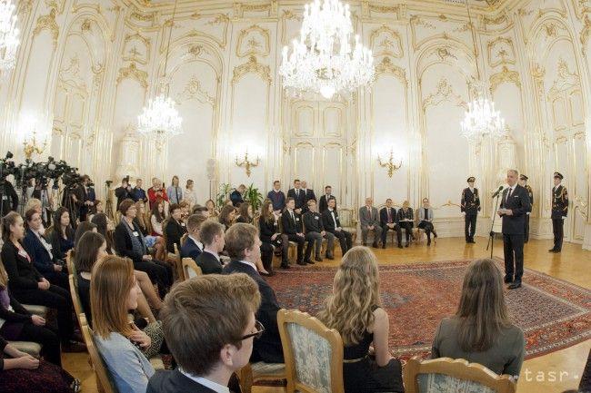 Sloboda a demokracia získaná v Novembri 89 bola iba príležitosť - Školstvo - SkolskyServis.TERAZ.sk