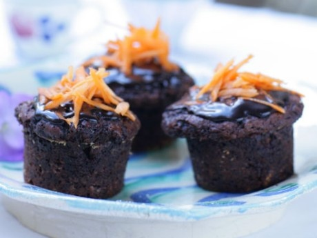 Carrot muffins with chocolate