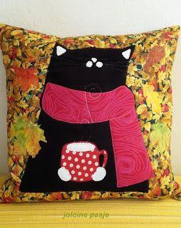 Jolcine pasje, Kot jesienny (poduszka)