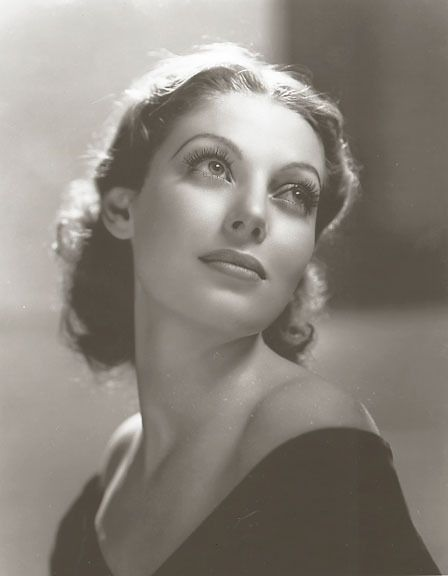 Loretta Young, 1933, photo by Clarence Sinclair Bull - how are these old portraits SO freaking amazing?!