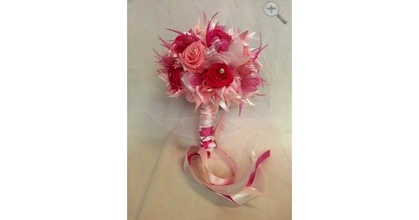 Ramo de 6 rosas fucsia y 6 rosa Plumas naturales Cristales Finos listones de organza y satín Incluye Boutonniere para novio