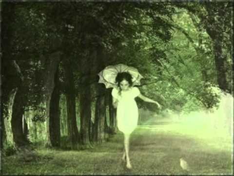 Ksenija Erker - Proljeće je otpočelo s kišom