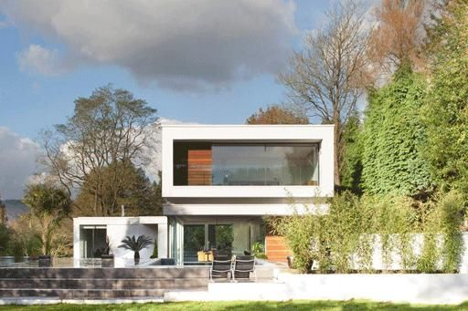 Oxted Lodge 481: Ultra modern (2012) award wining designed build with stunning architectural garden and interiors! Snatch this up and  be the first to shoot here!