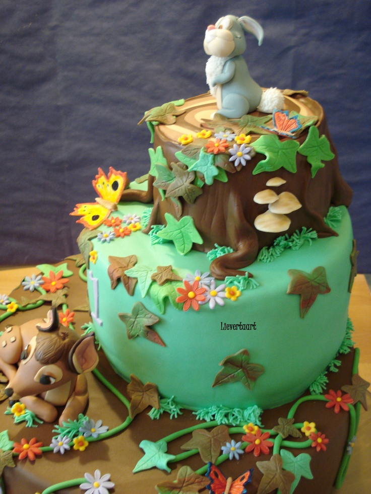 Bambi - Maked this cake for a boy for his 1st birthday. All fondant.