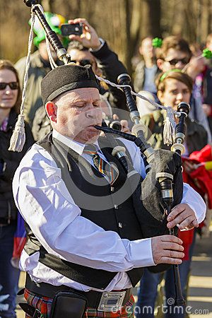Download this Editorial Photography of Senior Irish Bagpiper for as low as 0.68 lei. New users enjoy 60% OFF. 22,135,678 high-resolution stock photos and vector illustrations. Image: 38908522