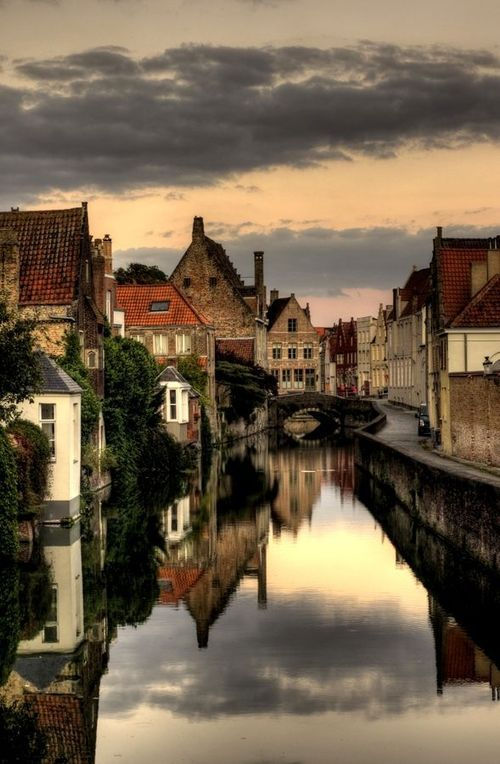 crescentmoon06: Brugge evening by Pavel... - crescentmoon on imgfave