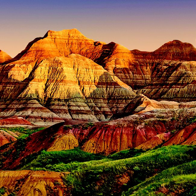 Badlands National Park is 244,000 acres of dramatic landscape with bizarre colorful spires, canyons & jagged buttes, and includes the world's richest Oligocene epoch fossil beds. Is @Black Hills South Dakota nomination our #8thWonderoftheWorld? Vote at www.virtualtourist.com/8thwonder