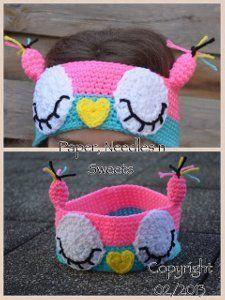 Sleepy Owl Ear Warmer. Free crochet pattern that is easy for beginners!