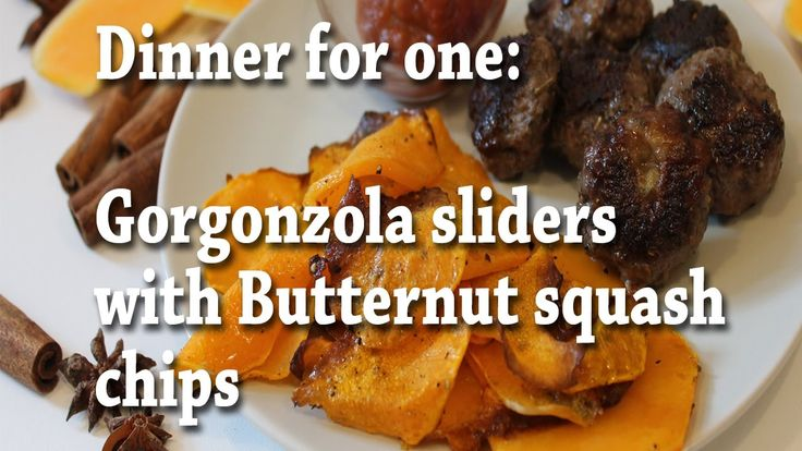 Butternut squash is one of these great veggies of the autumn.  Today we are cooking a super fast and simple recipe butternut squash chips with gorgonzola sliders. This dish is only for one person.  Ingredients: - Butternut squash  - Minced meat  - Gorgonzola cheese  - Salt and pepper  - Spices - I choose Provenzal herbs, but you do you - A bit of oil ( completely optional) Rest of the recipe in the description box