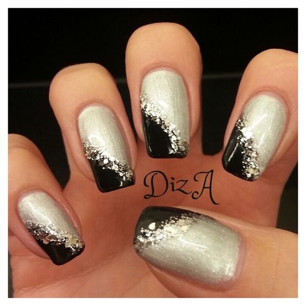 Black side swipe tip with glitter on silver bed