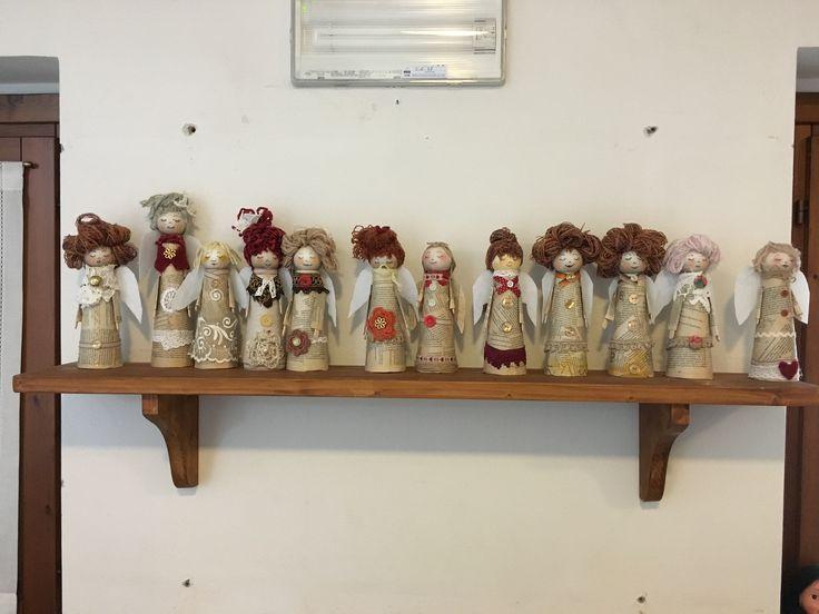 """I miei angioletti , realizzati per gli anziani del centro diurno """"ritrovo dei saggi"""" di Montecavolo(Re)"""