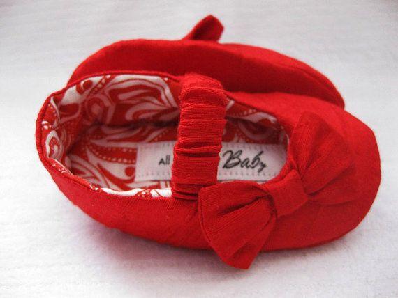 Filles rouge chaussures bébé filles chaussures par allthingsforbaby
