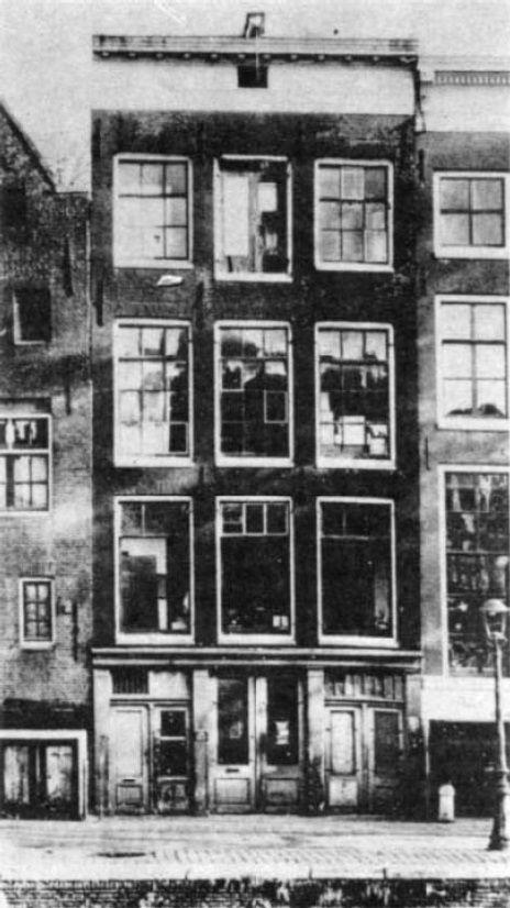 O prédio de escritório no qual Anne Frank e sua família viveram escondidos de 1942 a 1944