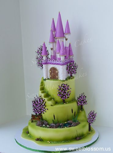 Children's Birthday Cakes - Castle cake, made it for National Capital Area Cake show. Everything edible.