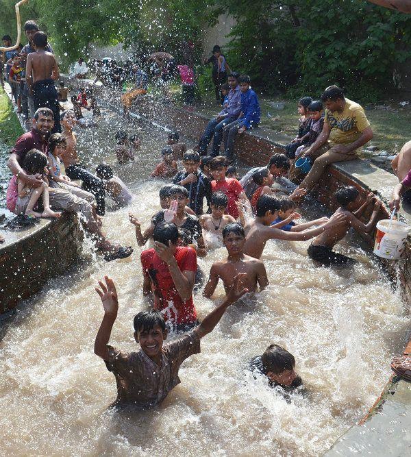 22 Magical Photos Of Kids Enjoying Summer Around The World Enjoy Summer Photo Summer