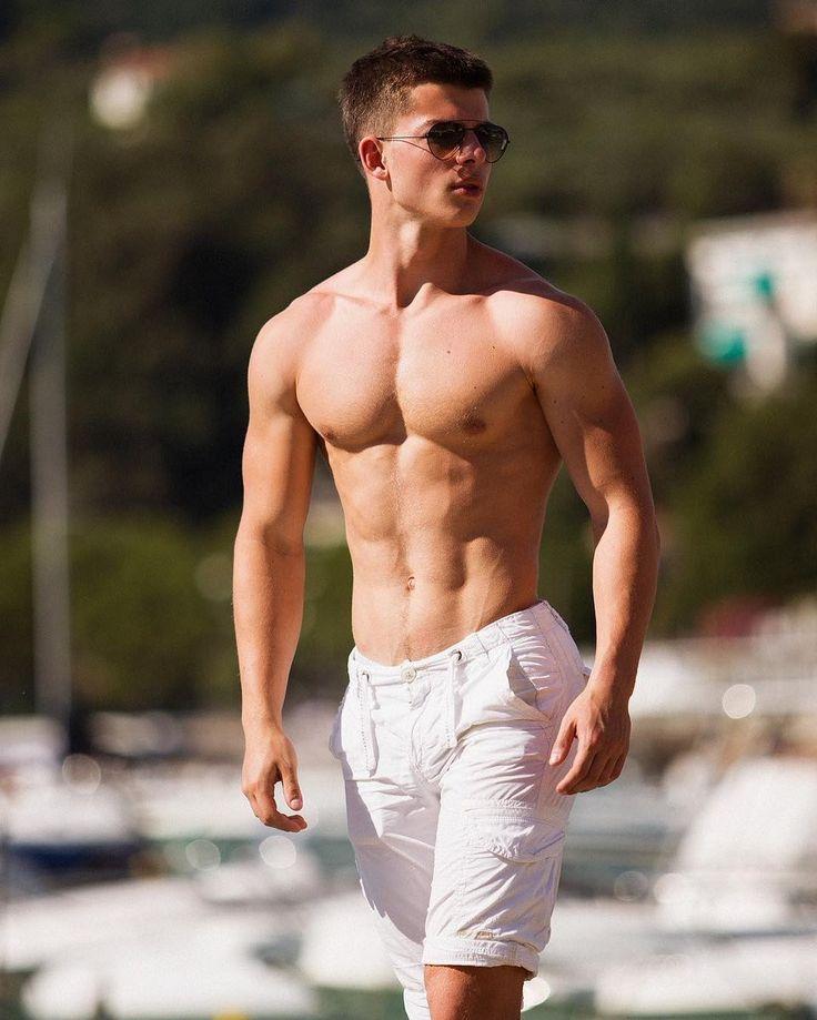 красивые мужчины спортивного телосложения по-твоему, знаю что