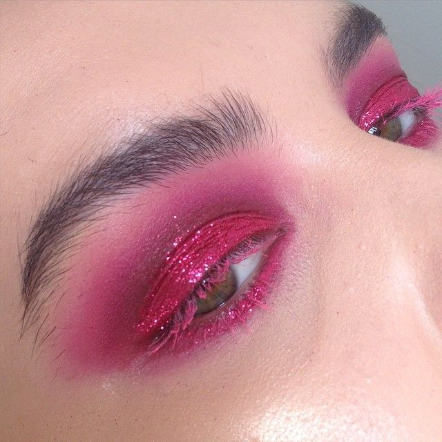 Smokey Pink & Glittery  The glitter is @makeupforeveroffical #7 & happy Mardi Gras!  by rosiekilvert