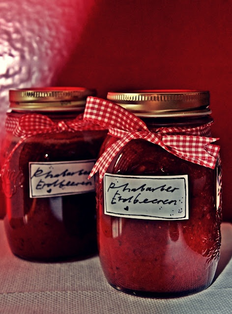 selfmade marmelade...rabarber/aardbeien