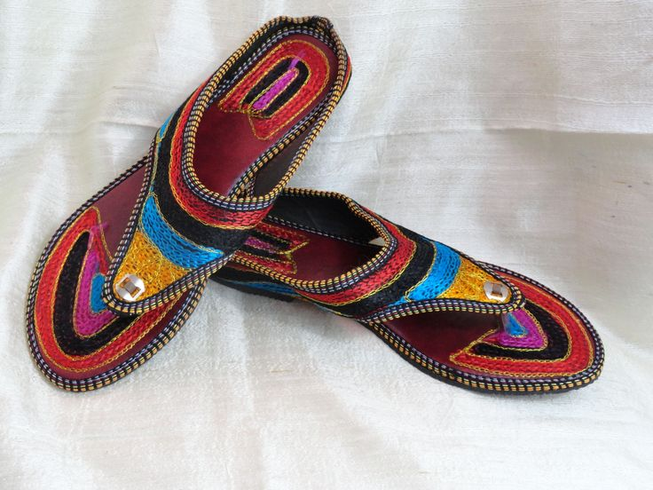Boho ethnic indian shoes and sandals. Indian Flat shoes or sandals. Ha – Artikrti