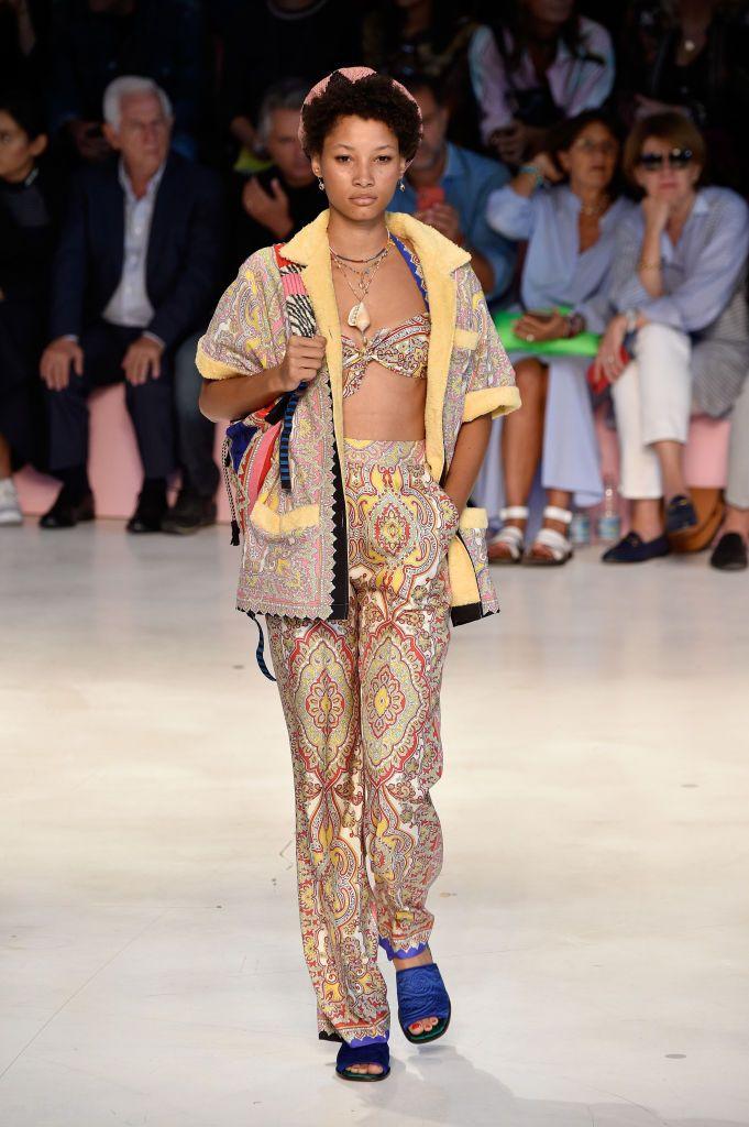Model Lineisy Montero walks the runway at the Etro show during Milan...    Fashion, Womens fashion spring summer, Fashion trend pattern