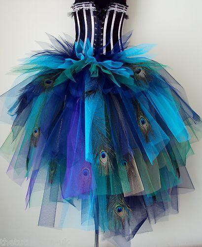 Resultado de imagen de disfraz de pavo real con material reciclado