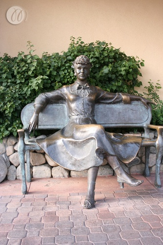 Lucille Ball statue in Palm Springs | statues & sculpture ...