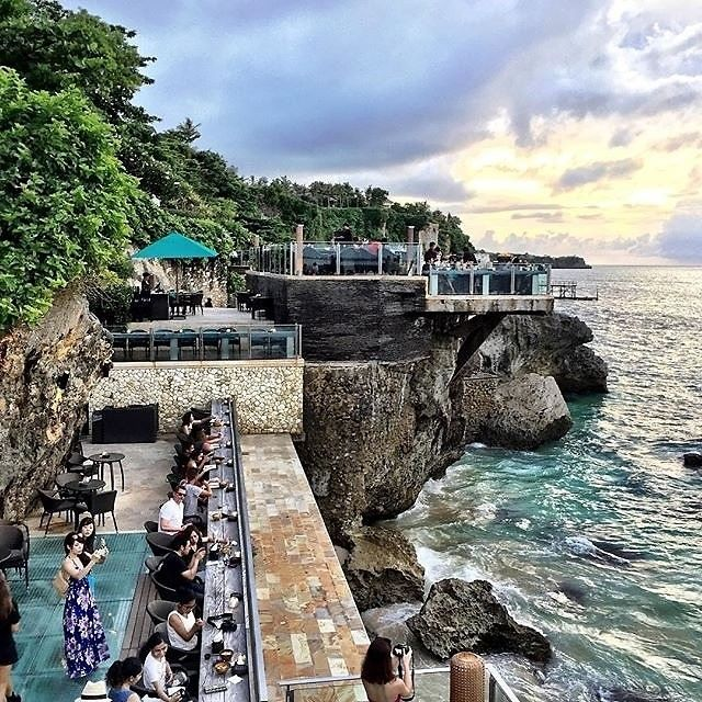 Read about Rock Bar, Bali from Guest of a Guest on May 02, 2016