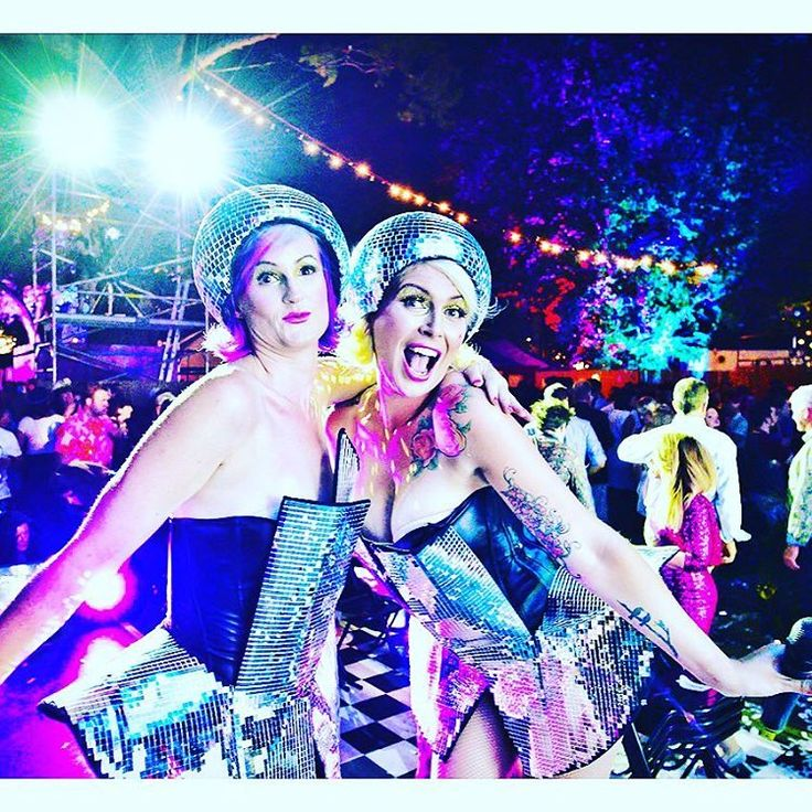 Glitter Bomb Blowout Bar @adlfringe club #glitterup #glittereverywhere #adelaide #adlfringe #awardsnight2016 #hair #makeup @colourcosmetica @colourcosmeticaeducation www.colourcosmetica.com  Photography by Trentino Priori