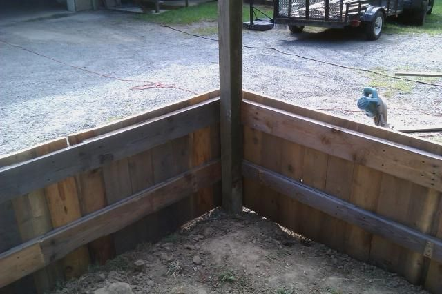 http://www.backyardchickens.com/forum/uploads/49356_imag0015.jpg
