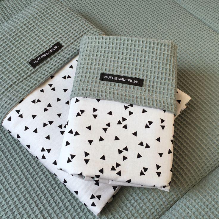 Wagendeken- Wiegdeken - Ledikantdeken - aan twee zijden te gebruiken - Muffie & Snuffie - wafelstof - babykamer - kinderkamer - handgemaakt - zwanger - baby - kraamkado - babyuitzet