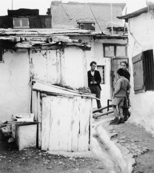 Dourgouti, Neos Kosmos, 1954
