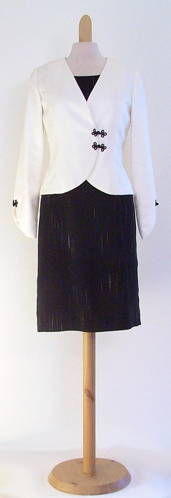 Dress and jacket for private client. / Mekko ja jakku yksityisasiakkaalle.
