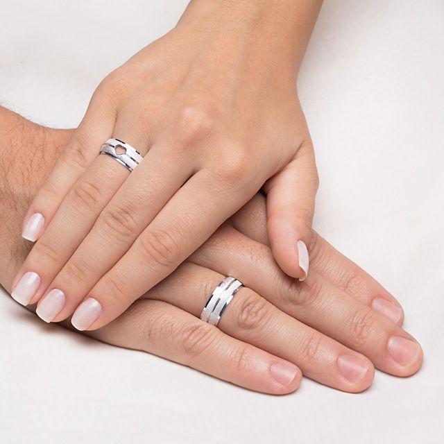 Aliancas Compromisso Prata Diamantadas Coracao Vazado 7 5mm 12g