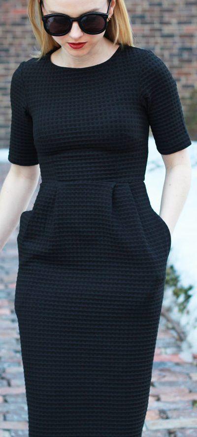 THE PERFECT LITTLE BLACK DRESS - ASOS WIGGLE DRESS - POOR LITTLE IT GIRL