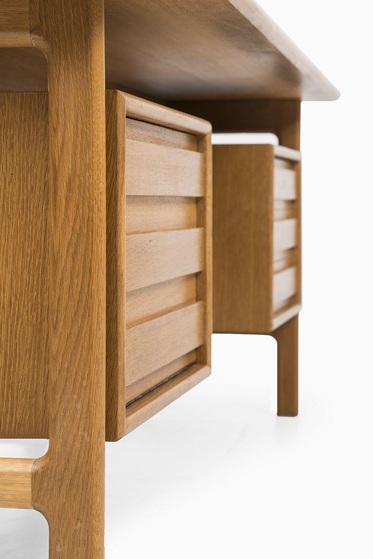 Epic Mid century desk in oak at Studio Schalling