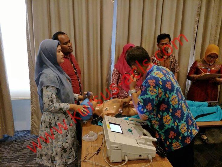 KURSUS ACLS 2018 (Advanced Cardiac Life Support)   Tempat Pelatihan* : PERKI HOUSE Jl. Danau Toba No.139 A-C, Bendungan Hilir, Jakarta Pusat Biaya Pelatihan* : Rp. 2.750.000 / Peserta    Pembayaran:  Pembayaran dapat dilakukan dengan Transfer via Teller Bank / ATM / Mobile Banking/ Internet Banking ke rekening  MANDIRI KCP Jakarta RS Harapan Kita No Rek : 117-000654139-5 a/n. YAYASAN PERKI – D  Info dan Registrasi, dapat menghubungi  08788 96 99 789 (WA, SMS, TELP)