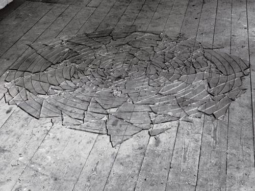 Antony Gormley - Glass Pool