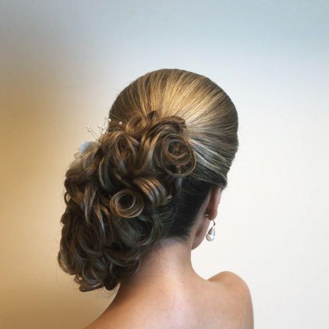 Discover penteadossonialopes's Instagram Amanhã nosso Master em Penteados aqui em São Paulo ❤️ #PenteadosSoniaLopes ✨ . . .  #sonialopes #cabelo #penteado  #noiva #noivas #madrinha #casamento #hair #hairstyles #hairstyle #weddinghair #wedding #inspiration #instabeauty #beauty #noivascampinas #braids #braidideas #cabeleireiros #curl #curls #penteados #noivassp #tranças #hairdo #hairstyling #trança #peinado 1636554347562601098_1188035779