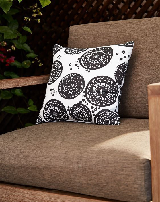 Decor elements like the CANVAS Obsidian Patio Toss Cushion adds sophistication to your outdoor space.