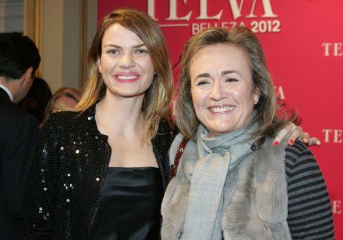 Alejandra Rojas, hija del ya fallecido Conde de Montarco y de Charo Palacios, junto a Pino Urech, directora de Bobbi Brown, Origins y Jo Malone. Premios Telva 2012.