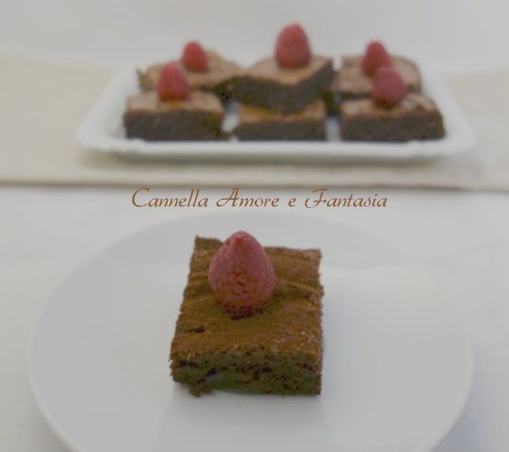 Brownie al doppio cioccolato e lamponi