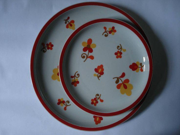 3 Pratos Vista Alegre _ Hearthstone _ Block | Serviço 'Paprika' |  Anos 70 | Um prato de 27cm de diâmetro, dois de 20cm | Peças, principalmente, de exportação para EUA. 16€