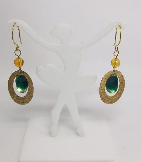 handmade jewellery - Kiki   : handmade  brass  earrings, amber,