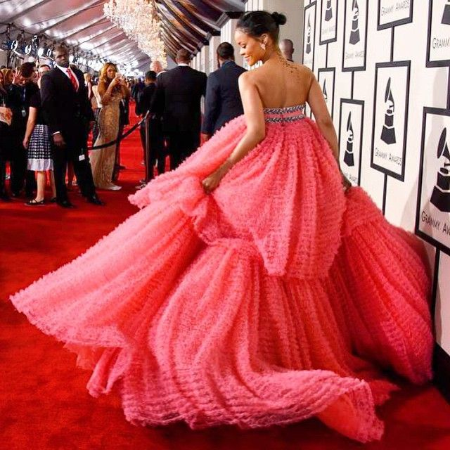 174 best ideas about c 39 est ma robe a un calendrier on for Calendrier rihanna