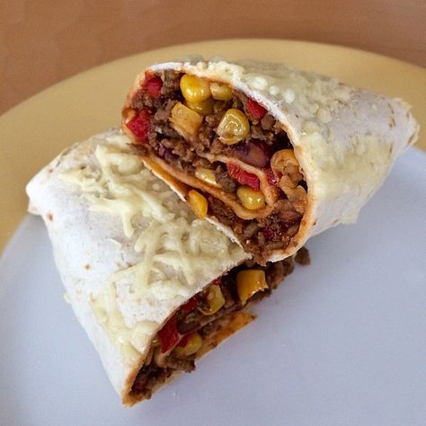Burrito with minced meat and vegetables