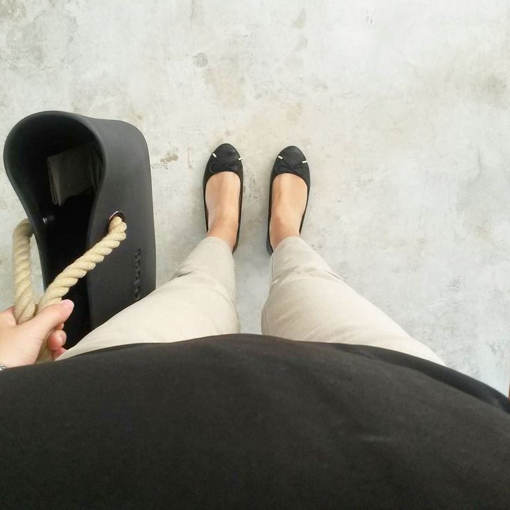 Beige & Black  #obag #beige #white #tile #supergres #bah #outfit #workoutfit #shoes #bonjour #outfitoftheday #work #outfits #blackshoes by walkingdream_blog