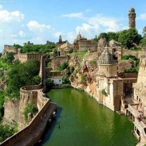 India India India: Rajasthan India, Chittorgarh Forts, Buckets Lists, Favorite Places, Beautifulplaces, Beautiful Places, Castles, Amazing Places, Benteng Chittorgarh
