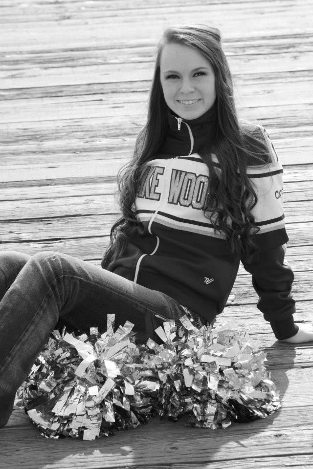 Cheerleader senior picture